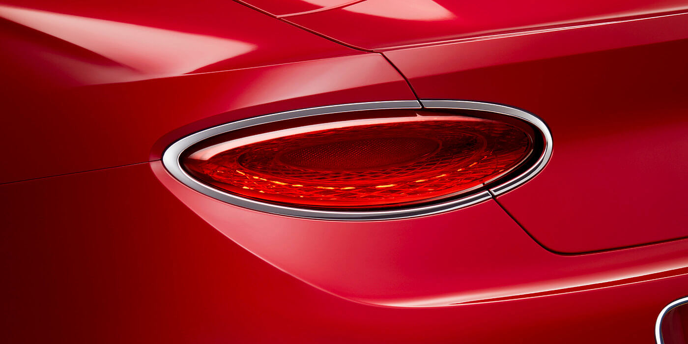 BENTLEY-CONTINENTAL-GT-V8-CONVERTIBLE-REAR-LIGHT